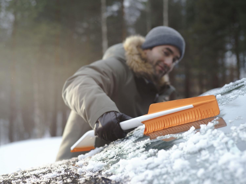 Rund ums Haus Das neue Fiskars SnowXpert™ Winter-Autozubehör mit Mehrwert - News, Bild 1