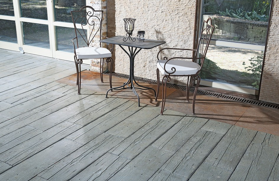 holz oder stein beides langlebige mahora betonsteine von mit rustikaler holzoptik. Black Bedroom Furniture Sets. Home Design Ideas