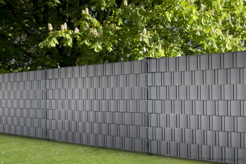 Privatsphäre im Garten mit dem Sichtschutz-Programm von AOS-STAHL