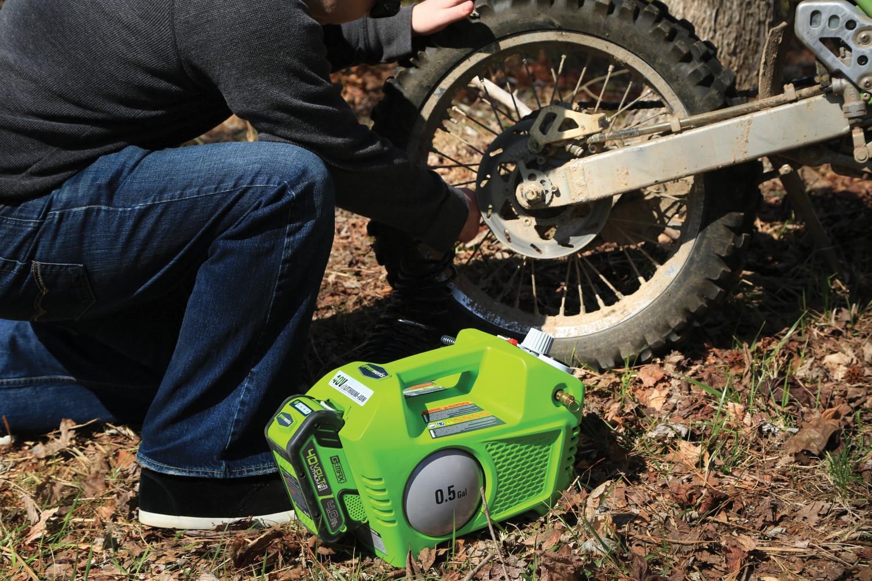 Rund ums Haus Akkubetriebener Kompressor von Greenworks - News, Bild 3