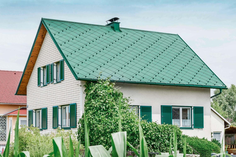ein sicheres dach hausabdeckungen aus aluminium von prefa bieten wind und wetter die stirn. Black Bedroom Furniture Sets. Home Design Ideas