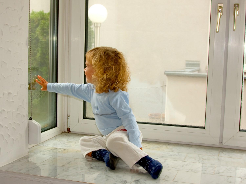 Rund ums Haus Innovative Fensterheizung von T-Stripe verhindert die Entstehung von Kondenswasser und Schimmel - News, Bild 1