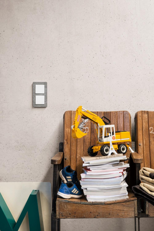 lichtschalter von berker aus schiefer edelstahl und co f r echte individualisten bild 1. Black Bedroom Furniture Sets. Home Design Ideas