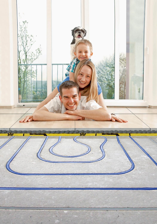 Rund ums Haus Neues Fußbodenheizungs-Nachrüstungssystem RenoHeat NRS bringt Wärme und Komfort - News, Bild 1