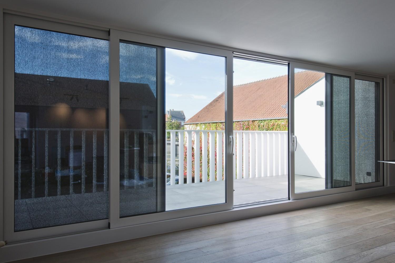 Rund ums Haus Sonnenschutz wird immer wichtiger: Flexibler Schutz von Renson sorgt für mehr Wohnkomfort - News, Bild 1