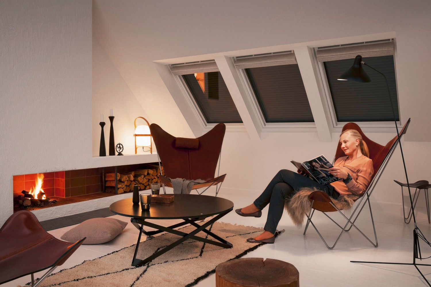 velux rolll den f r dachfenster verbessern die w rmed mmung. Black Bedroom Furniture Sets. Home Design Ideas
