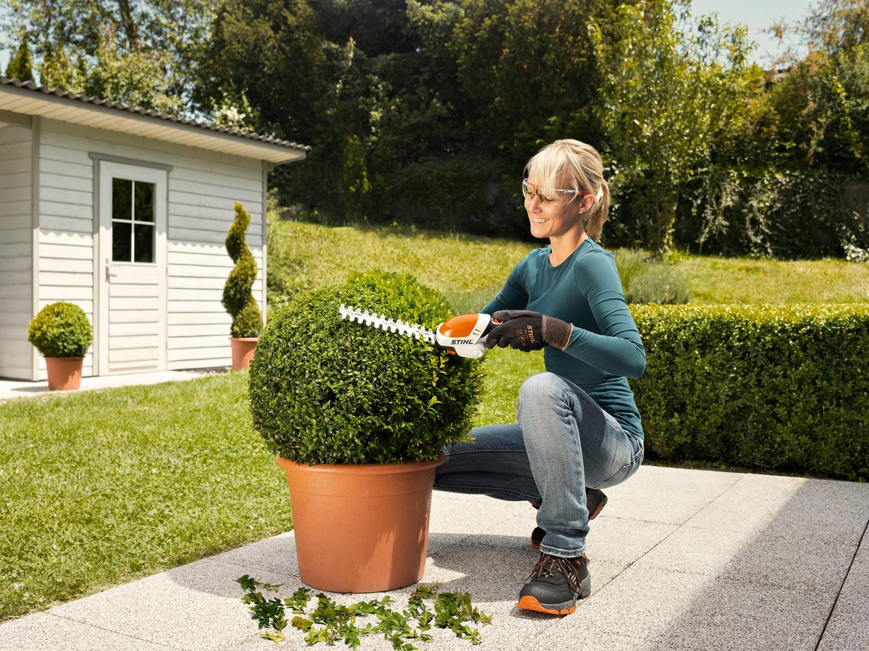 Gartengeräte Leicht, wendig, ausdauernd: Die neue Akku-Strauchschere STIHL HSA 25  - News, Bild 1