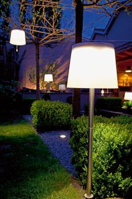 garten-licht-ohne-steckdose-im-garten-solarlampen-helfen-hausbesitzern-aus-der-klemme-9279.jpg