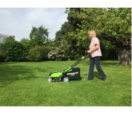 greenworks-arbeitsschutz-mulchen-und-fangen-mit-dem-neuen-2-in-1-40v-akku-rasenmaeher-von-greenworks-16025.jpg