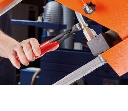 handwerkzeuge-ohrklemmen-sicher-verpressen-mit-knipex-14963.jpg