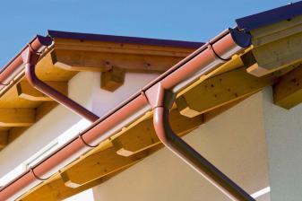 rund-ums-haus-hochwertige-systeme-zur-dachentwaesserung-von-prefa-vermeiden-feuchtigkeitsschaeden-12008.jpg