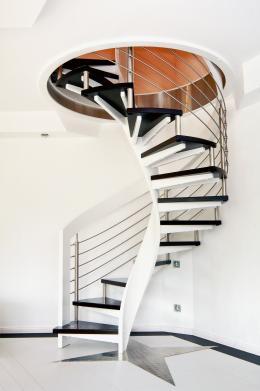 rund-ums-haus-individuelle-treppen-von-streger-verbinden-moderne-architektur-mit-historischen-elementen-12059.jpg