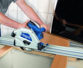 scheppach-arbeitsschutz-praezise-tauchschnitte-mit-raeumlicher-flexibilitaet-die-neue-akku-tauchsaege-pl55li-von-scheppach-14014.jpg