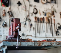 werkstatteinrichtung-werkzeuge-in-der-werkstatt-praktisch-und-sicher-aufbewahren-so-gehts-14466.jpg