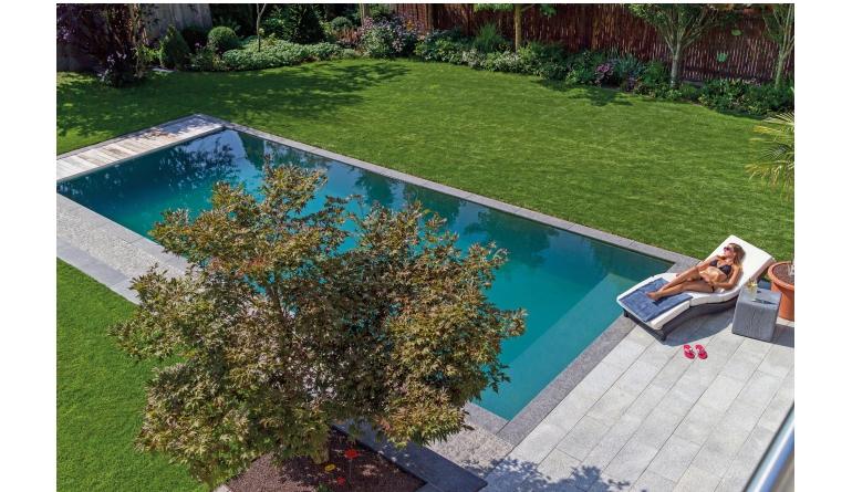 Rund ums Haus Urlaub im eigenen Garten – mit Naturpool oder Schwimmteich das Feriengefühl einfach nach Hause holen - News, Bild 1