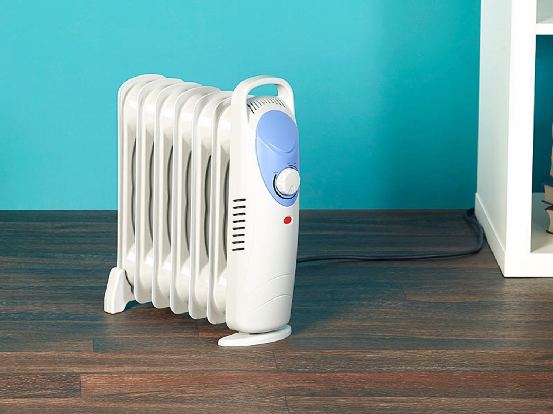 test heizungen agt 800 w l radiator mit 7 rippen. Black Bedroom Furniture Sets. Home Design Ideas