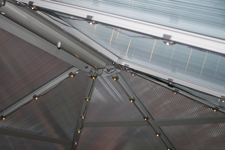"Rund ums Haus Brast Alu-Pavillon ""Premium"" Summerdream 3 x 4 m grau inkl. LEDs im Test, Bild 13"
