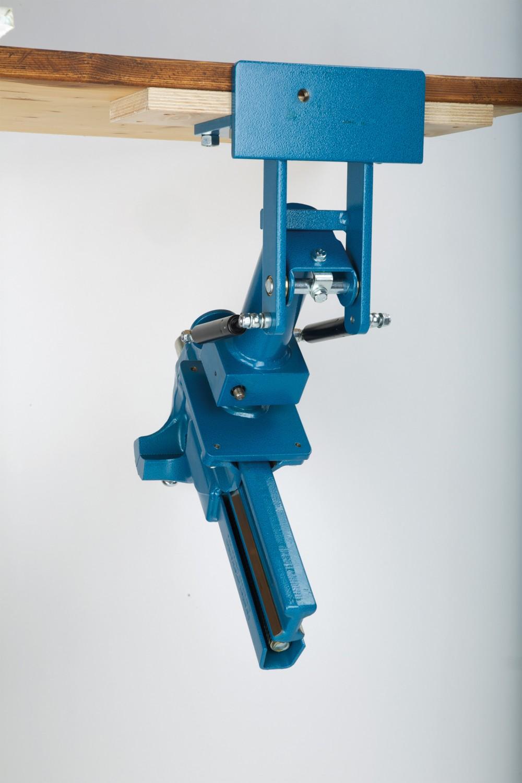 Gewerbliche Werkzeuge Heuer Schraubstock 140 mm im Test, Bild 3