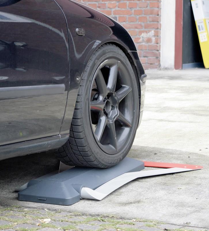 Überwachung Schellenberg Autom. Parkplatzsperre im Test, Bild 3