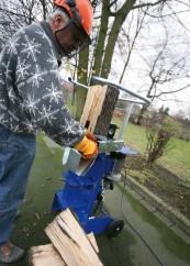Holz-Spalter: Fünf vertikale Holzspalter für gehobene Ansprüche, Bild 1