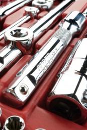 Handwerkzeug-Sets Red Tools Werkzeugkoffer im Test, Bild 1