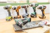 Akku-Schrauber: Sechs 18-V-Akku-Bohrschrauber im Vergleich, drei Maschinen mit neuer Motortechnik, Bild 1