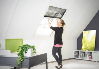 Rund ums Haus Hecht Insektenschutz-Plissee für Dachfenster 110 x 160 cm im Test, Bild 1