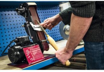 Bandschleifer Netzbetrieb Robert Sorby Schleifmaschine ProEdge im Test, Bild 1